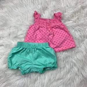 Old Navy Baby Girl 3-6 M Outfit Tank Top & Shorts